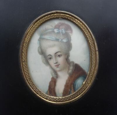 ANTIQUE 19th CENTURY FINELY PAINTED PORTRAIT MINIATURE OF A LADY