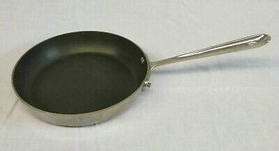 """All Clad d5 Stainless Steel Nonstick 9"""" Omelette Pan"""