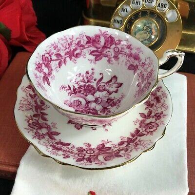 1940s Paragon Double Warrant Red Floral Garland Cup and Saucer A1352