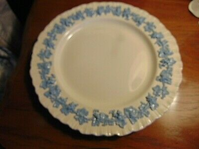 Set Of 4 Wedgwood Queensware Lavender On Cream Embossed Dinner Plates-10 5/8""