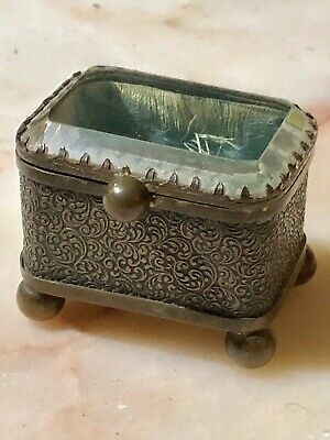 Beautiful ANTIQUE VICTORIAN FRENCH JEWELLERY TRINKET CASKET BOX BRASS CRYSTAL