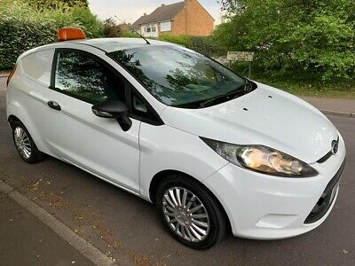 ford fiesta van nice condition, no scratch, no dents, call 07879151515