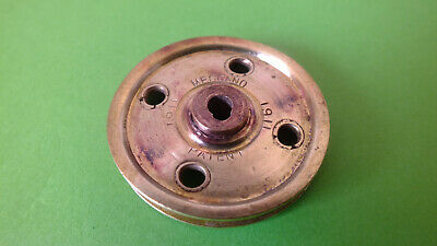 1x Meccano Part 21: 1½'' pulley wheel, 4 holes, tongue key slot ca. 1911
