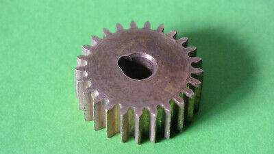 (1) 1x Meccano Part 25: Pinion,Tongue key fixing, 25 teeth ca. 1907