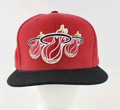 purchase cheap 42084 78d94 Miami Heat Mitchell   Ness NBA Hardwood Classics Adjustable Snapback Cap Hat