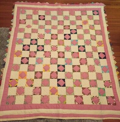 Large Well Quilted Antique Quilt Hand Stitched Triangle Border Country Farmhouse