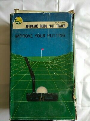 Golf. Automatic Recoil Putting Trainer