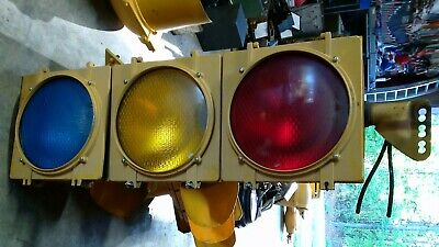 Traffic Signal Eagle complete light with hanger Parts Untested MAKE A OFFER