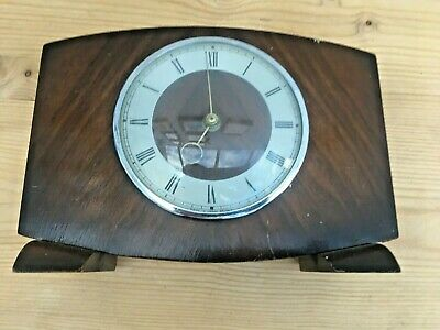 Vintage Smiths Oak Wind Up Mantle Clock from 1940's - In Good Working Condition