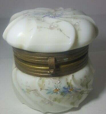 "Wavecrest White Glass Box Daisys Hand Painted No damage 3"" Square lid Casket"
