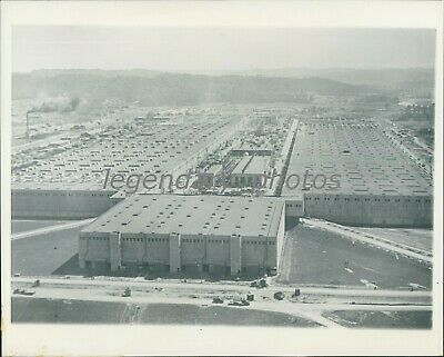 1945 Large Factory where Atomic Bomb was Developed Original News Service Photo