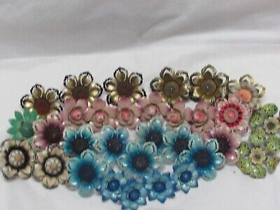 Large Lot Of Mixed Vintage Metal Flower Tie Back Curtain Push Pins