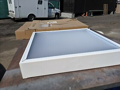 Lithonia Lighting 2M 3 17 A12 MVOLT GEB10IS 3-Light Troffer or surface mnt.