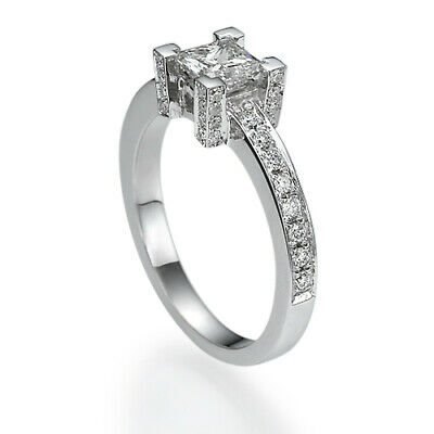 Natural Vs 1.4 Carat  Princess Accented Diamond 18 Kt White Gold Engagement Ring