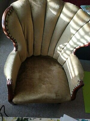 green antique chair good condition
