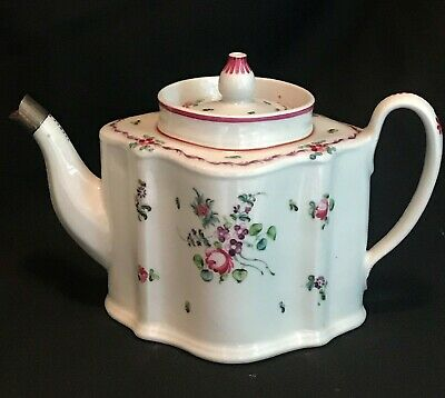 18th Century English New Hall Teapot. Oval Fluted Body and Floral Motif