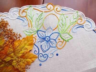 "Vintage Arts & Crafts Style Embroidered Natural Linen Tablecloth 22"" Flowers"