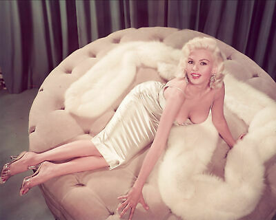 A Jayne Mansfield Sensual On A Couch 8x10 Picture Celebrity Print