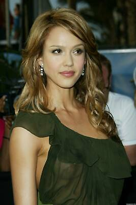 Jessica Alba With Transparency 8x10 Picture Celebrity Print