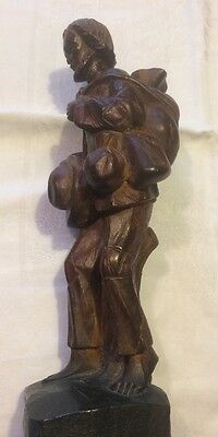Vint FOLK ART Plaster/Gypsum HANDCARVED STATUE Figurine Sculpture Traveler