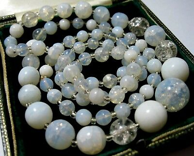 VINTAGE Antique ART DECO 1930's Opalescent Opal Moonstone Glass Bead NECKLACE