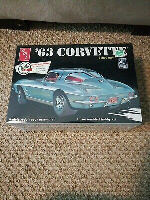 Kit # 6774 Buy One Get One Free Amt 1:25 Scale 1963 Chevrolet Corvette Convertible Model Kit New