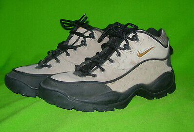 detailed look 83024 b5340 Nike ACG Hiking Boots, women s size 7.5 Good condition