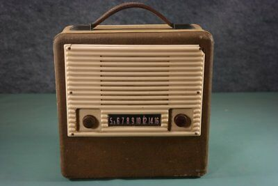 Old Luggage Style Musicaire Portable Tube Radio ~ Nice!