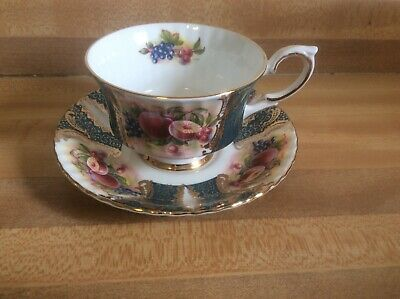Paragon China Teacup & Saucer England By Appointment to Her Majesty the Queen (E