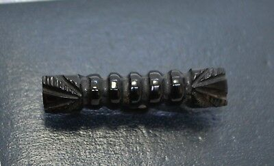 Antique Victorian WHITBY JET Carved Small Black Mourning BROOCH / LACE PIN