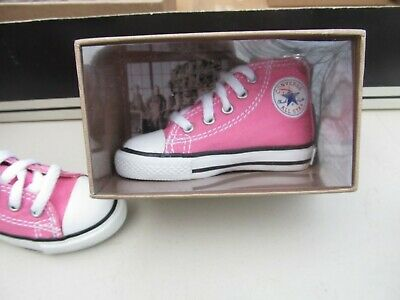 ring Large 5 eyelet Pink or Black Converse All Star High Top sneaker key chain
