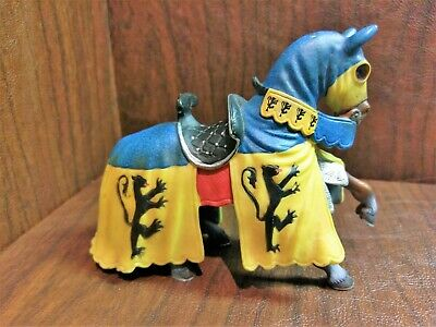 Papo Knight Medieval Fantasy Blue Yellow Lion Guard w// Spear Shield 70055