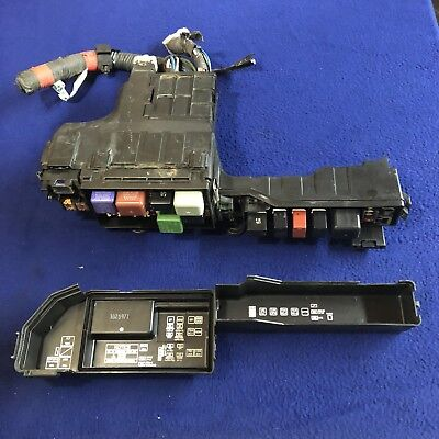 1997 - 2001 toyota camry relay / fuse box under hood / engine compartment  oem