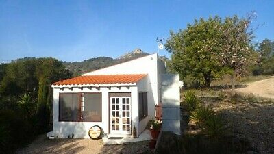 Peaceful holiday cottage to rent in rural Catalonia, Spain