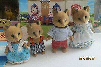 Sylvanian Families UK Dappledawn Fawn twin rabbits and Nursery - Calico Critters