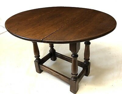 Antique Style Drop Leaf Side / Coffee Table / Occasional Table