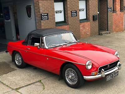 1970 MGB Roadster, POWER STEERING !!! Wire wheels overdrive, fully restored