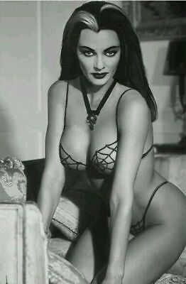 Yvonne De Carlo Lily The Munsters Sexy Beautiful Grainey Glossy 8x10 Photo