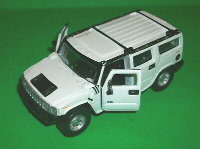 Maisto White Hummer H2 Suv Pullback 1/46 Scale Made In China