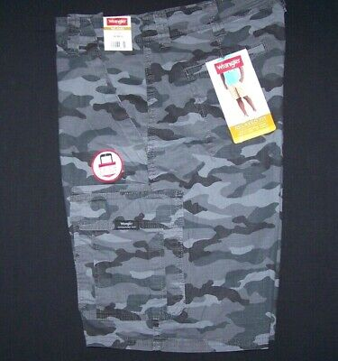 a00cb231e0 Men's Wrangler Camo Rip-Stop Flex Cargo Shorts Relaxed Fit SIZES 34 36 38 40