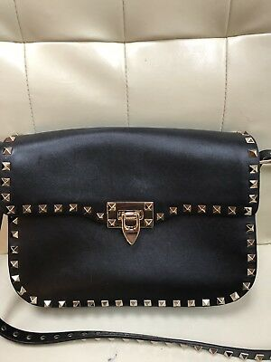 712769aa6e Valentino Rockstud Flap-Top Messenger Crossbody Medium Shoulder Bag Black