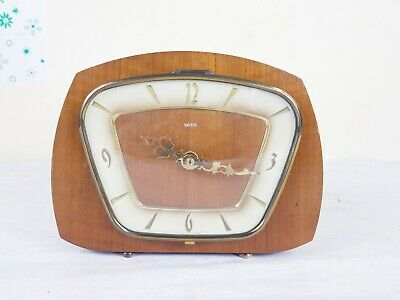 VINTAGE SMITHS  CLOCK WITH BATTERY MOVEMENT( Super Rare)