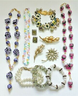 Lot of Vintage to Mod Jewelry - Necklaces Bracelets Earrings Brooches JN19LOTP