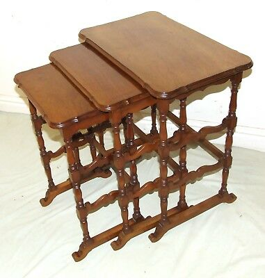 Antiques Walnut Spider Leg Nest of 3 Occasional Coffee Tables Lamp Stands