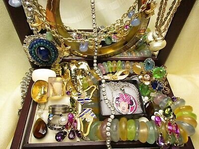 Vtg.Big Lot Jewelry Rings-Necklaces-Brooches-Earrings-Art Deco-S/Signed Brands