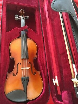 PRIMAVERA LOREATO 4/4 Violin Outfit, Music Stand & Shoulder Rest In Use 6 Months