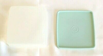 Vintage Tupperware Square Away Lunchbox Sandwich Keeper 670 Mint Green Lid 671