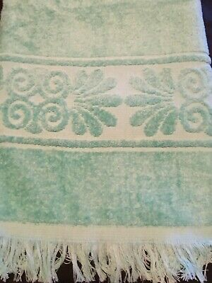 a4c087d368 Vintage Cannon Monticello Sculptured Green Bath Towel Fringed Made In USA