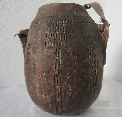 stunning primitive wooden pot / jar > early Antique thin-walled tramp art  wood