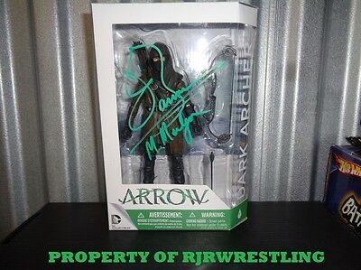 CW ARROW JOHN BARROWMAN SIGNED DARK ARCHER DC ACTION FIGURE w/COA & PIC MERLYN